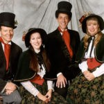 E7_800x578_Carolersphoto